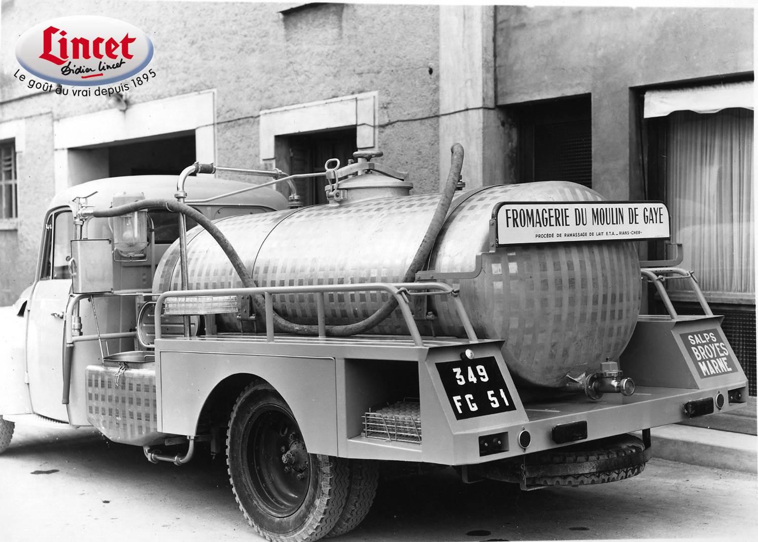 l 39 image du mois un camion de lait en 1957 fromagerie lincet. Black Bedroom Furniture Sets. Home Design Ideas